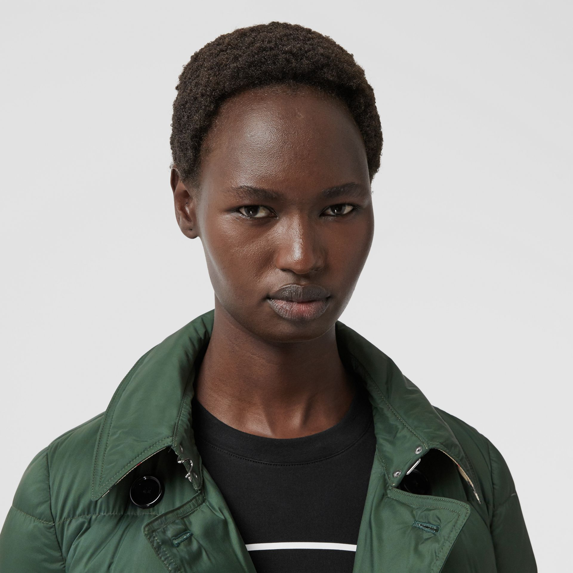 Logo Appliqué Detachable Hood Puffer Coat in Dark Pine Green - Women | Burberry Canada - gallery image 1