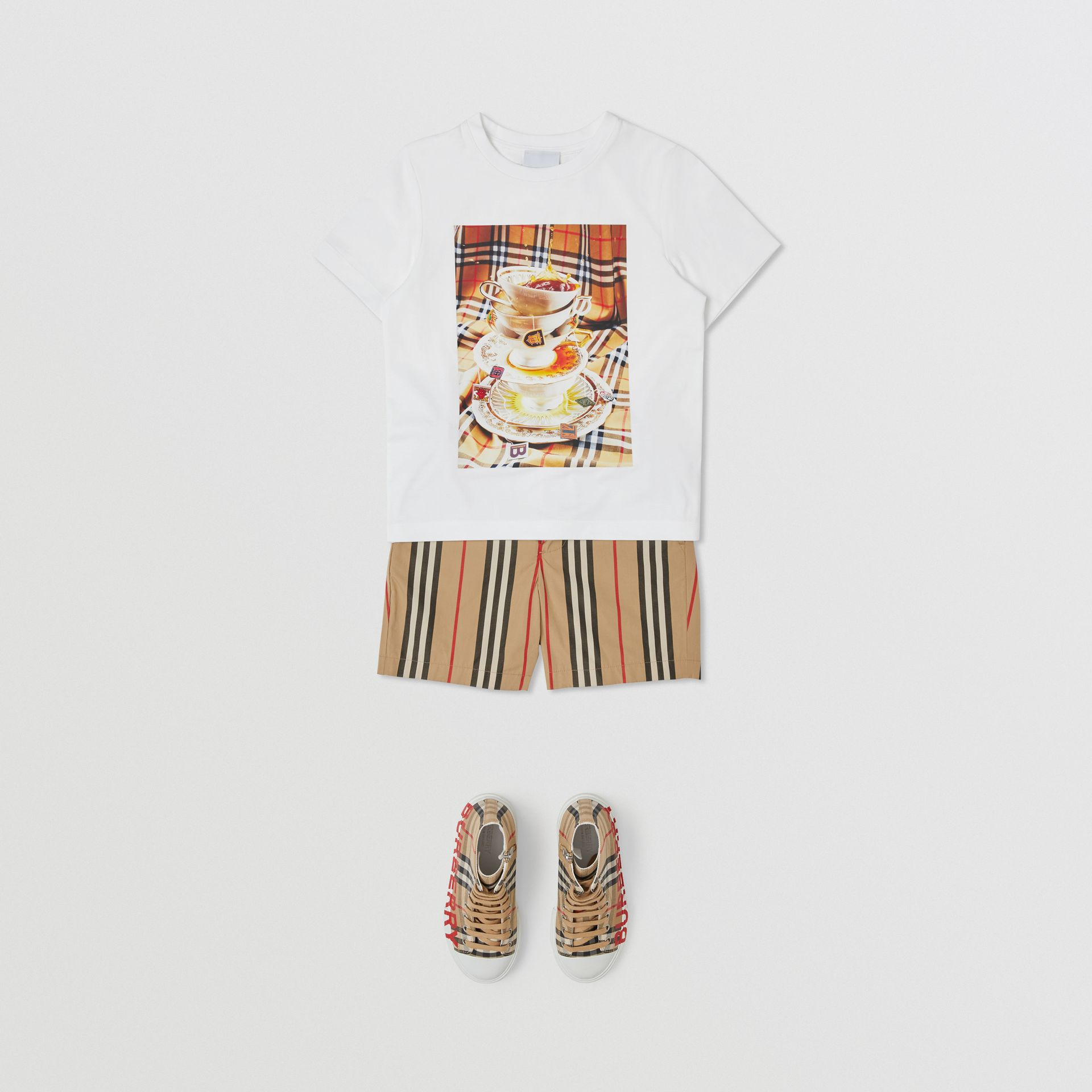 Teacup Print T-shirt in Multicolour | Burberry Canada - gallery image 3