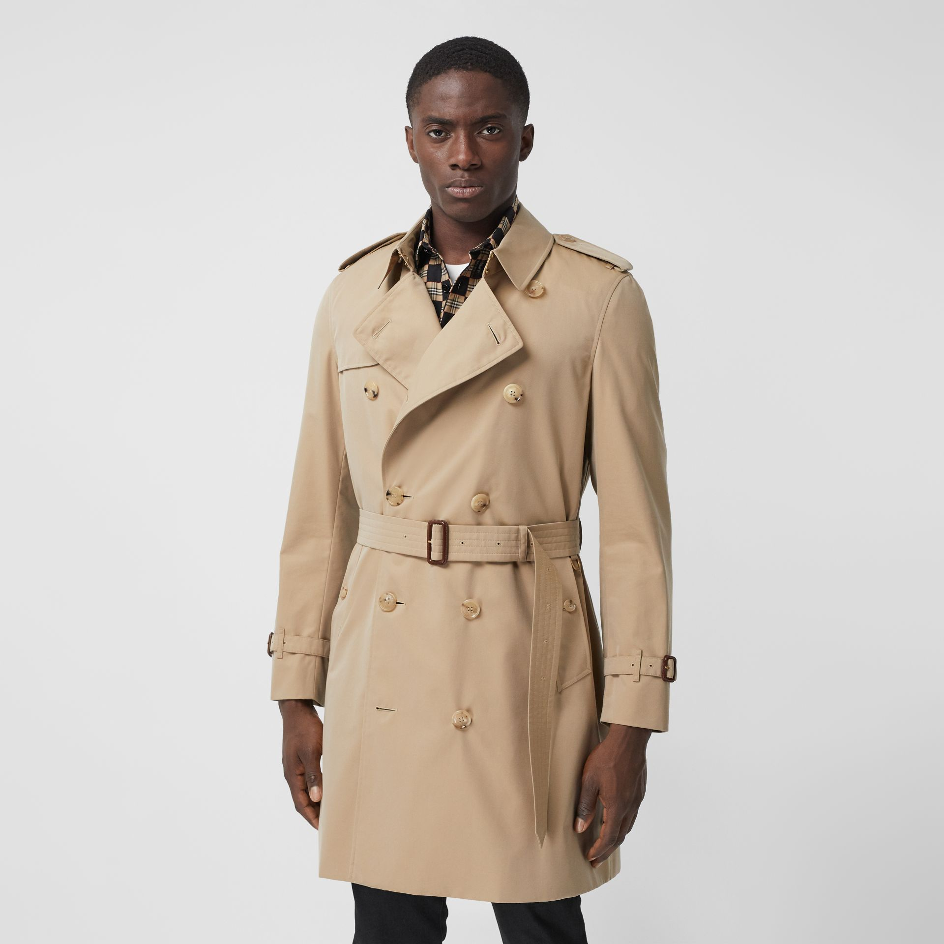 The Mid-length Chelsea Heritage Trench Coat in Honey - Men | Burberry - gallery image 7