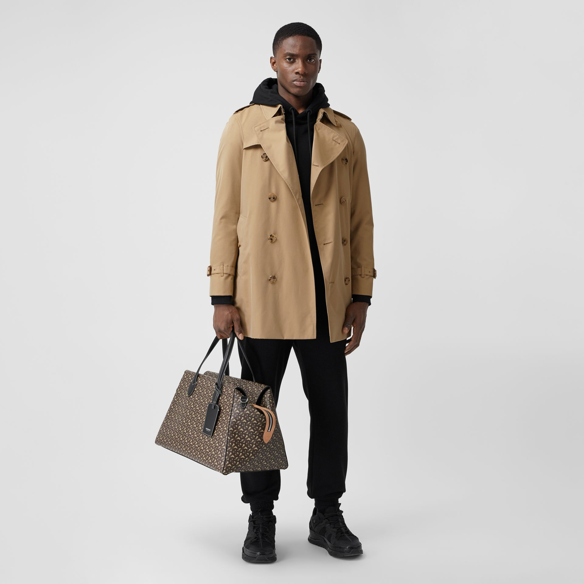 The Short Wimbledon Trench Coat in Honey - Men | Burberry Australia - gallery image 0