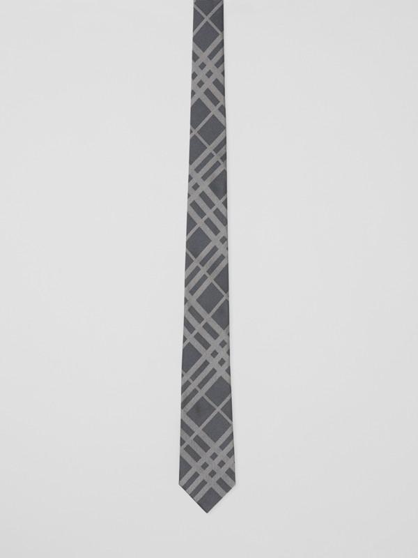 Corbata de pala clásica en seda con motivo a cuadros en jacquard (Gris Medio) - Hombre | Burberry - cell image 3