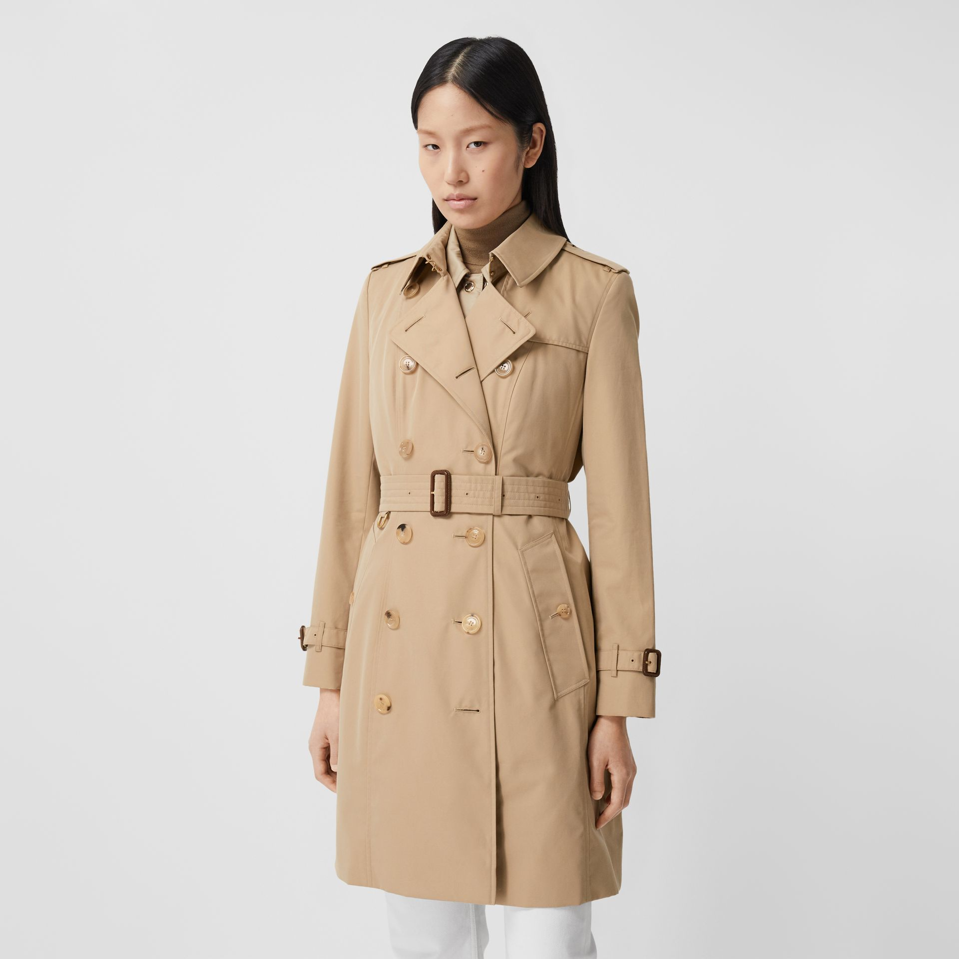 The Mid-length Chelsea Heritage Trench Coat in Honey - Women | Burberry - gallery image 7