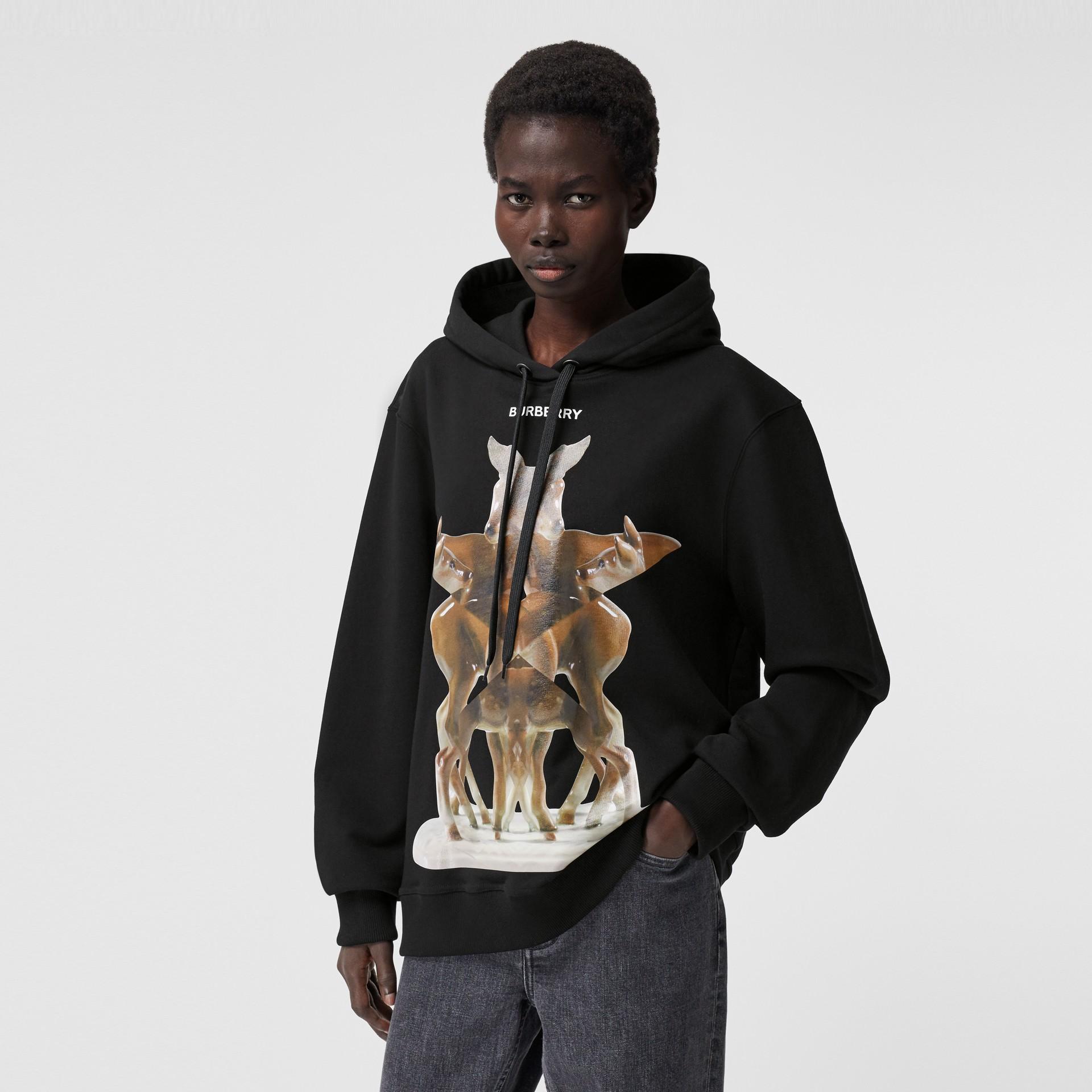 Sweat-shirt à capuche oversize avec imprimé kaléidoscope – Exclusivité en ligne (Noir) - Femme | Burberry - photo de la galerie 4