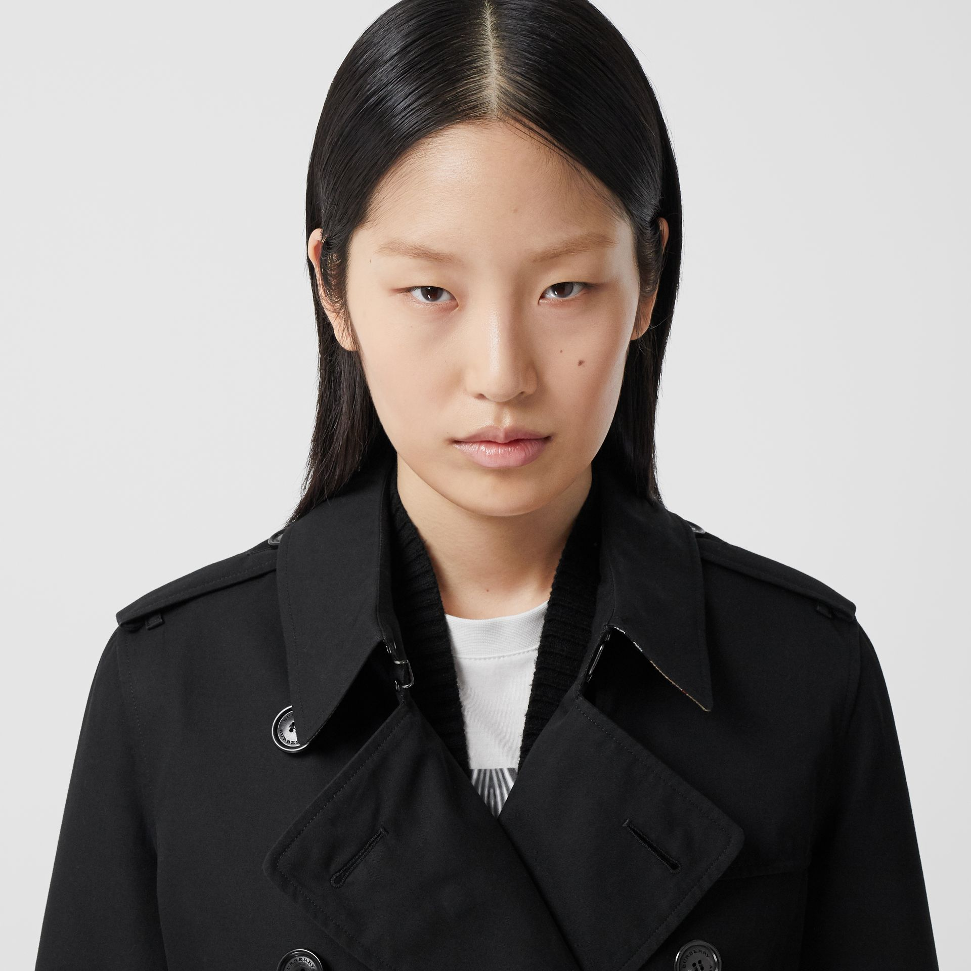 The Mid-length Kensington Heritage Trench Coat in Black - Women | Burberry - gallery image 1