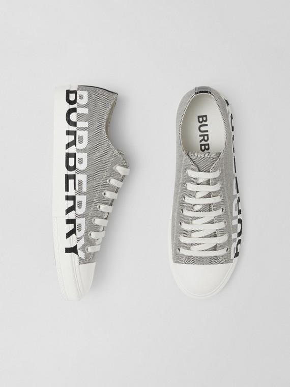 Sneaker aus Baumwollcanvas mit Burberry-Logo (Schwarz/weiß)