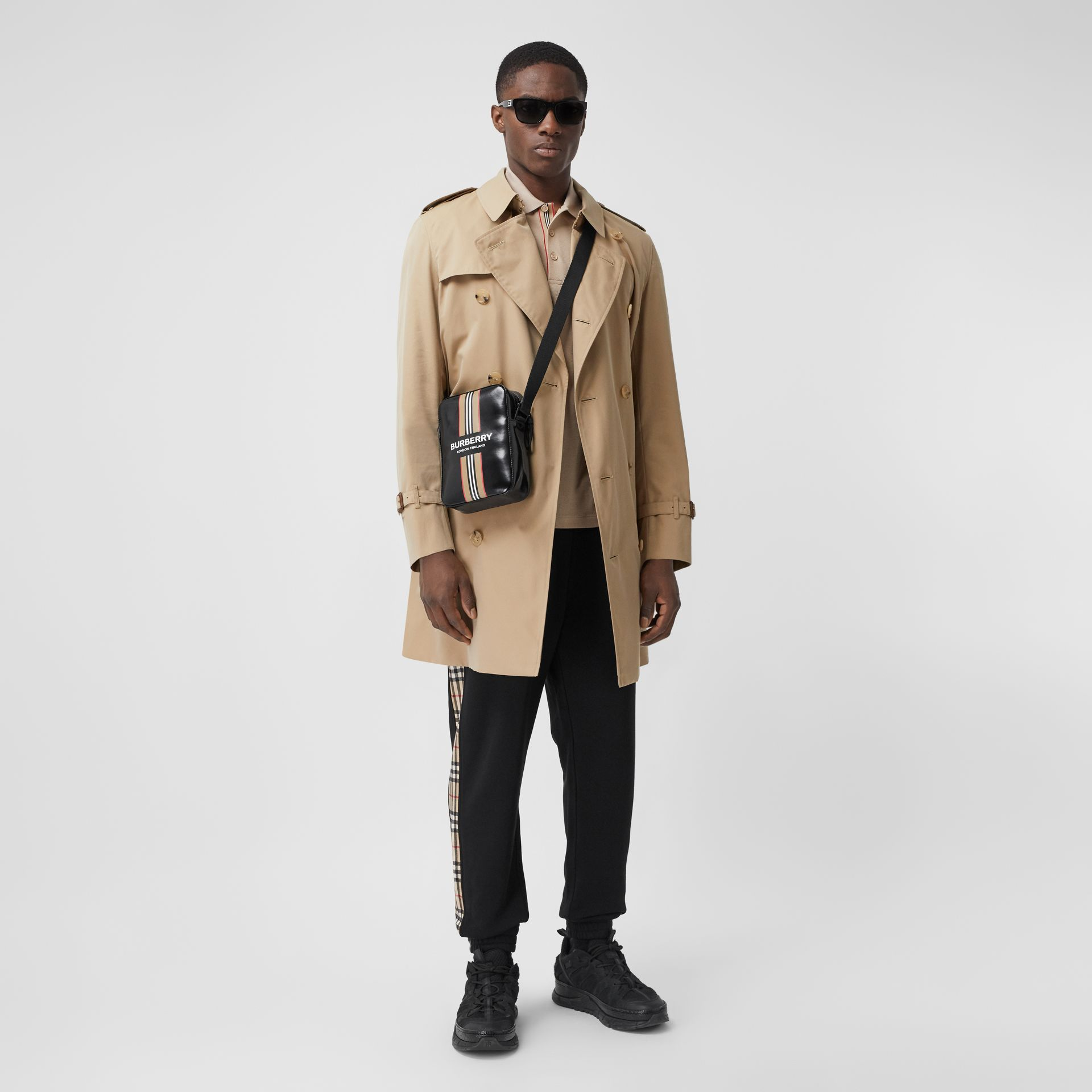 The Mid-length Chelsea Heritage Trench Coat in Honey - Men | Burberry - gallery image 0