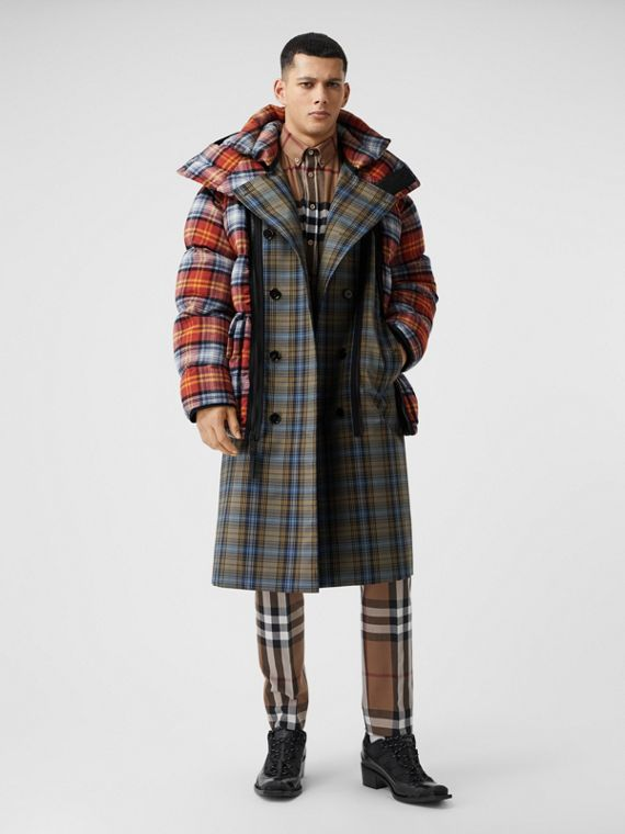 Sleeveless Check Trench Coat With Detachable Puffer in Multicolour