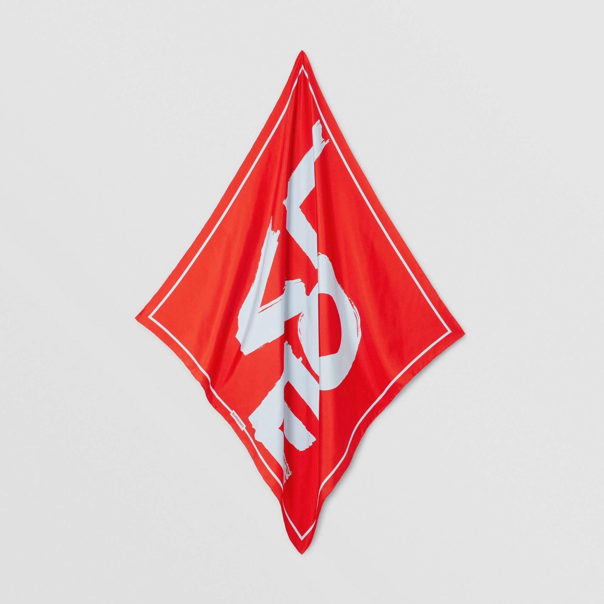 Foulard in seta con stampa Love (Rosso/cammello) | Burberry - immagine della galleria 4