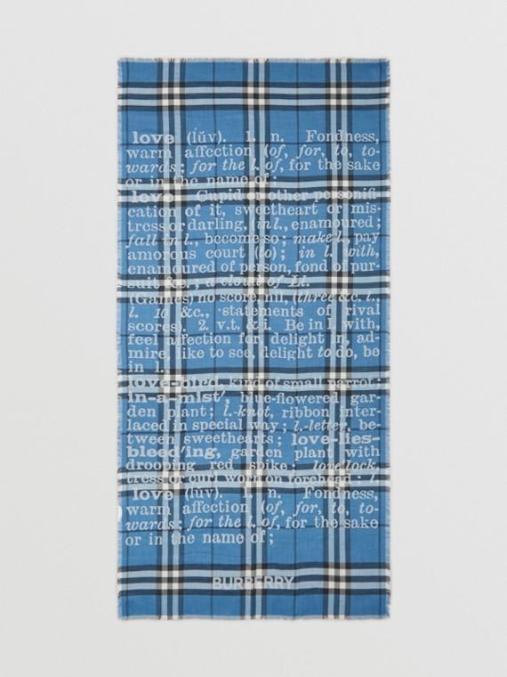 Kaschmirschal in Jacquard-Webung und Karo-Optik mit Love-Schriftzug (Hellblau)
