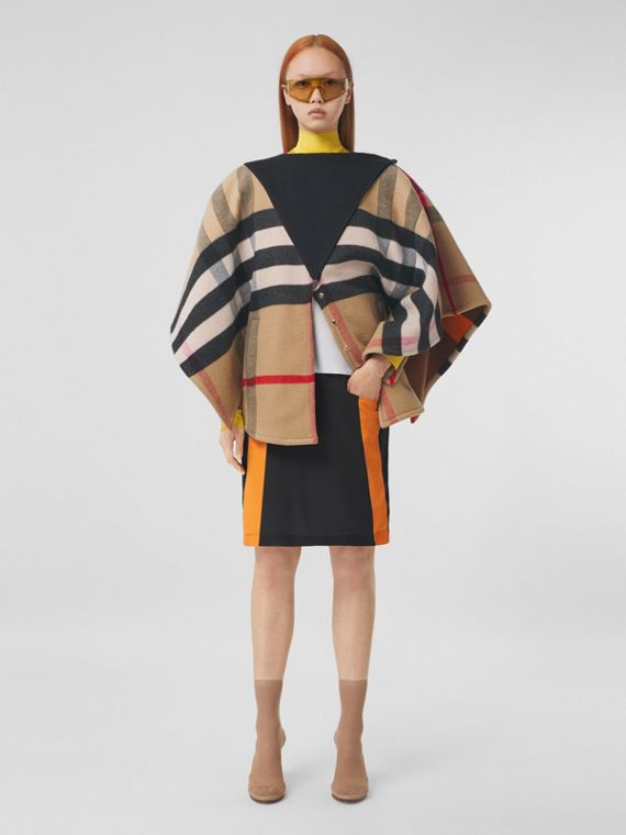 Double-faced Check Cashmere Cape in Archive Beige