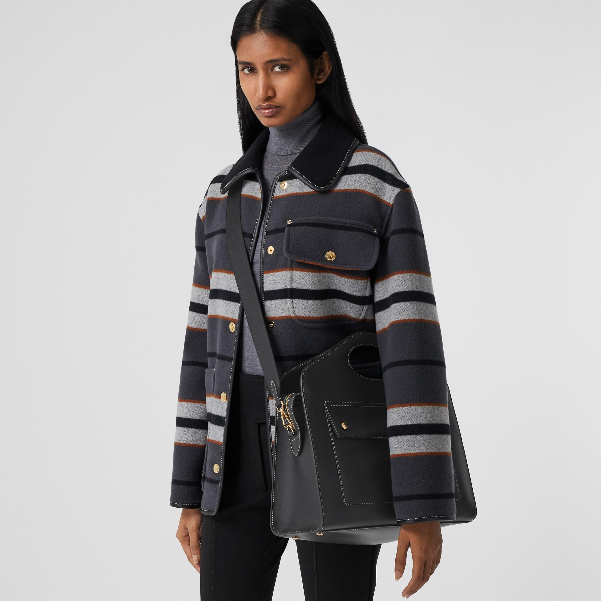 Mittelgroße Leder-Henkeltasche mit Steppnähten (Schwarz) - Damen | Burberry - Galerie-Bild 2