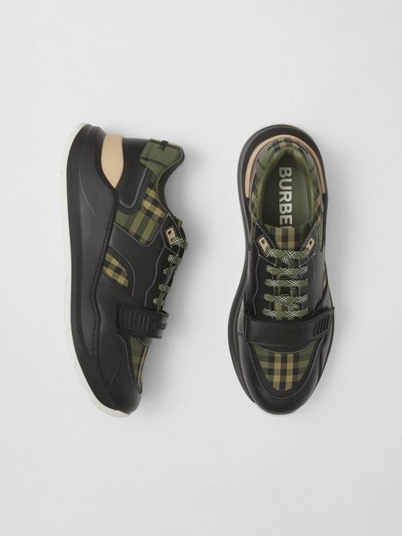 Sneaker aus Baumwollcanvas in Karo-Optik und Leder (Militärgrün)