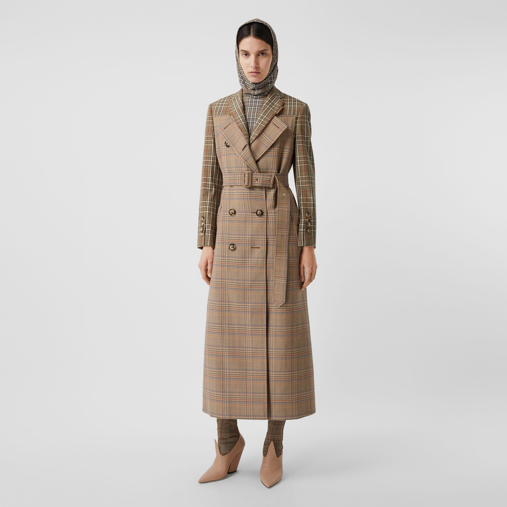 Custom Fit Contrast Check Wool Cotton Trench Coat in Dark Honey - Women | Burberry - gallery image 5
