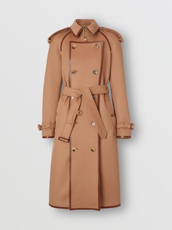 Trench coat em lã e cashmere com detalhe de recorte com botões (Camel) - Mulheres | Burberry - cell image 3