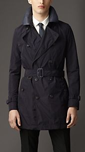 Trench coat de longitud media con cuello de cuero
