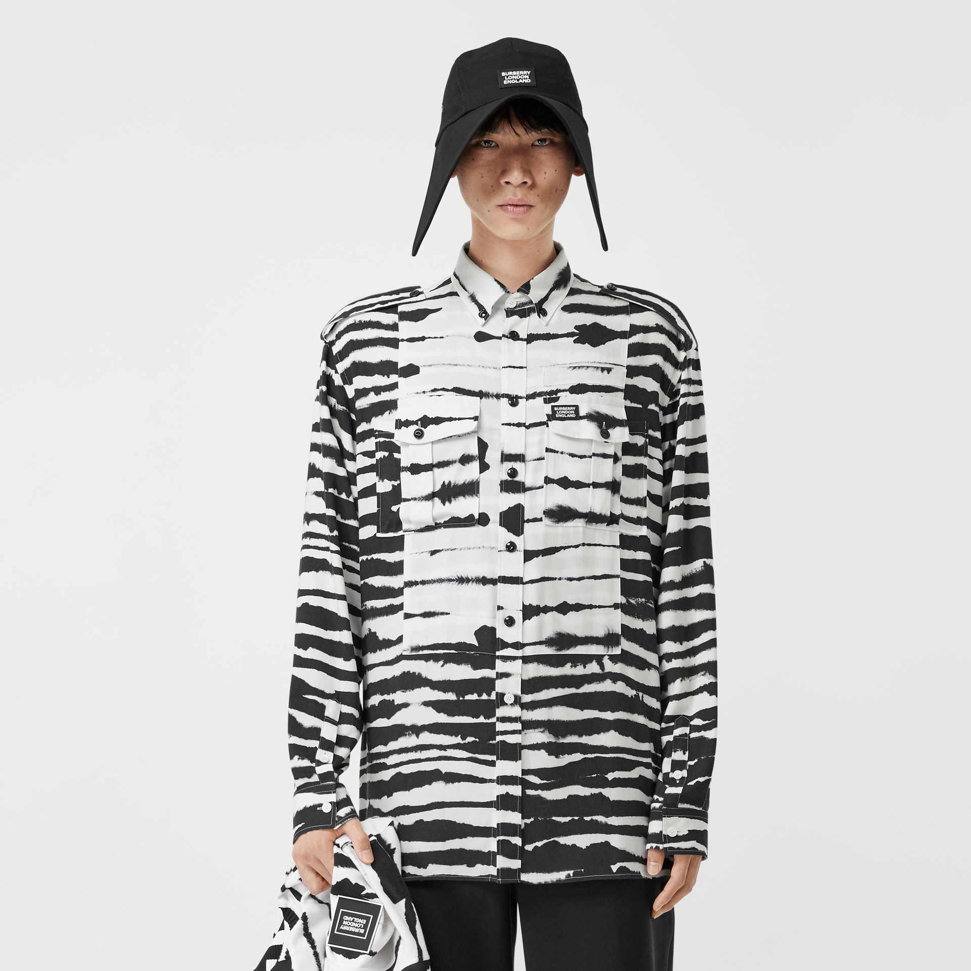 Contrast Bib Watercolour Print Twill Oversized Shirt in Monochrome | Burberry Canada - gallery image 0