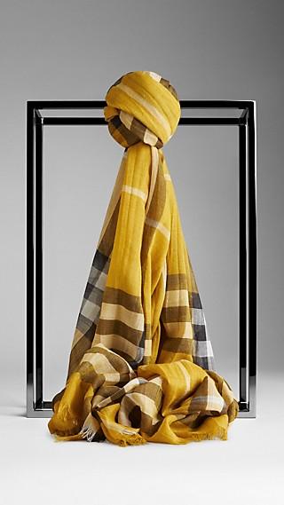 Schal aus Wolle und Seide mit Check-Muster