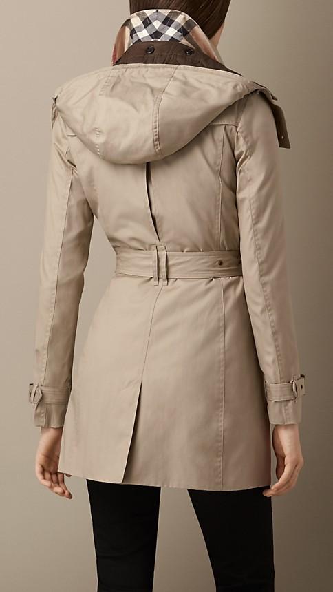 trench coat mi long capuche avec veste int rieure burberry. Black Bedroom Furniture Sets. Home Design Ideas