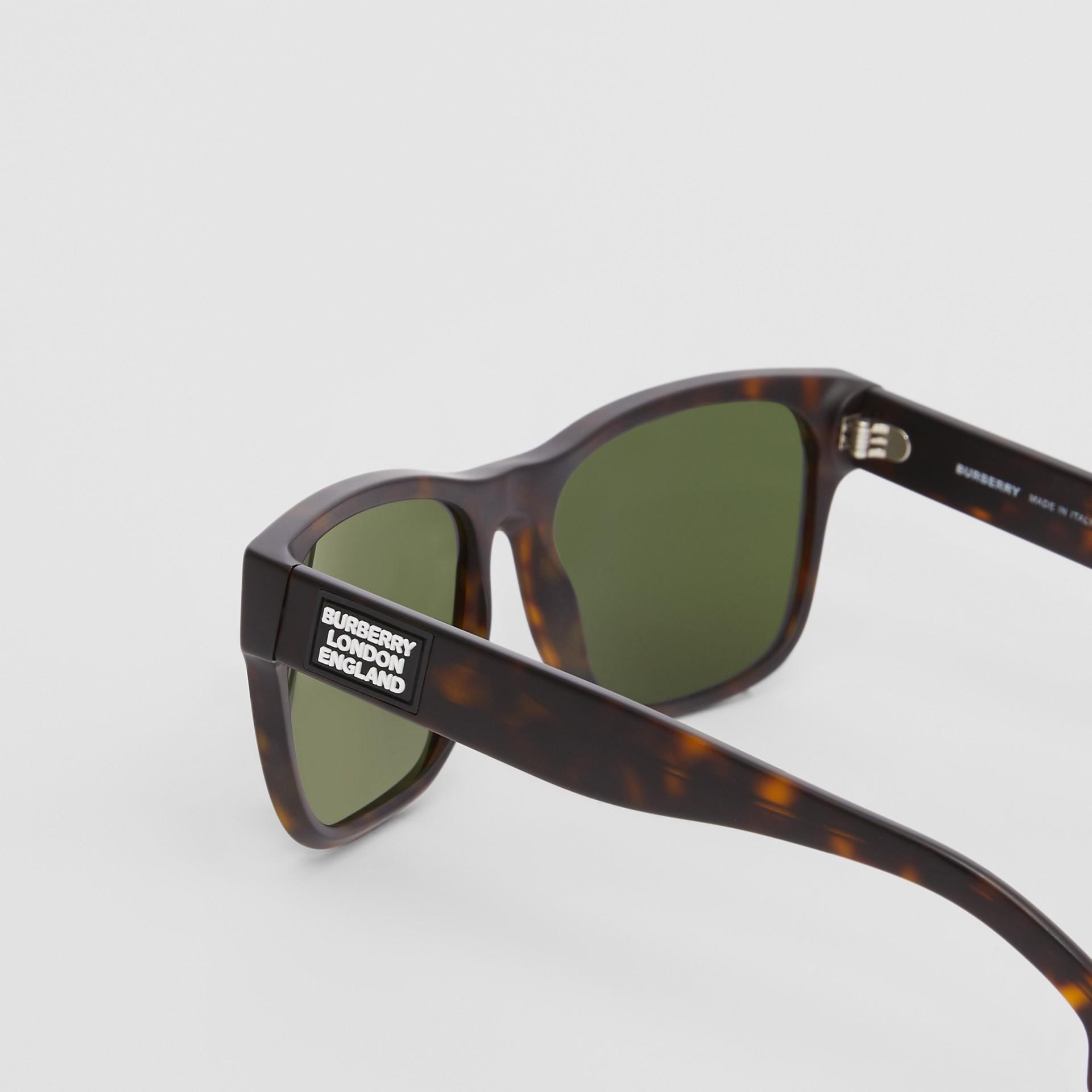 Óculos de sol com armação quadrada e logotipo (Casco  Tartaruga) | Burberry - galeria de imagens 1