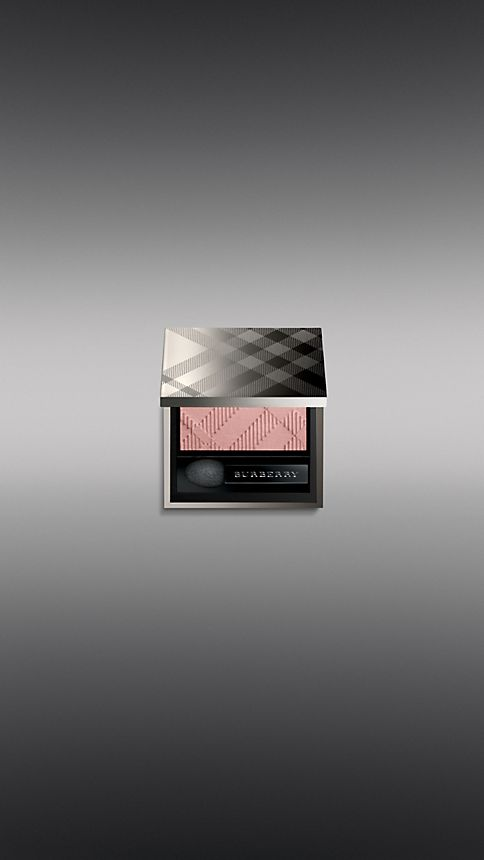 Color English rose: new Burberry cosmetics