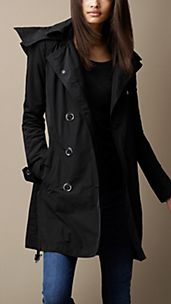 Trench coat medio con cappuccio in taffetà tecnico