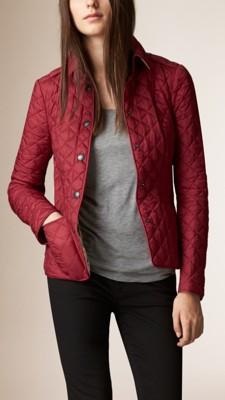 茜草深红色 菱形绗缝外套