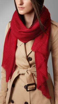 军红色 刺绣轻盈保暖羊绒围巾