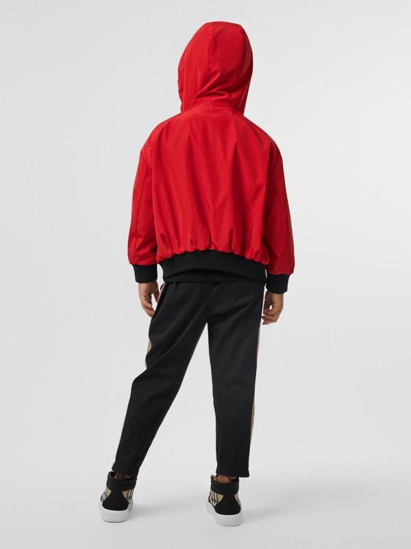 Veste à capuche réversible avec rayures iconiques (Rouge Vif) | Burberry Canada - cell image 3