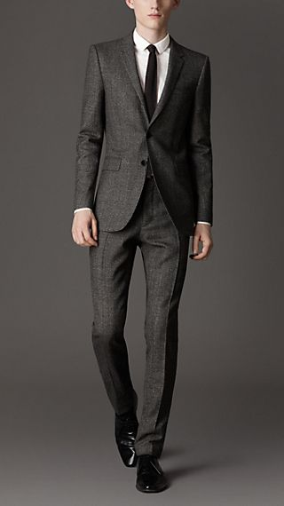 Slim Fit Virgin Wool Herringbone Suit