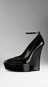 Point-Toe Platform Wedge Pumps