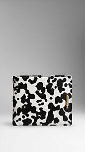Cartera plegable con estampado animal en pelo de vacuno
