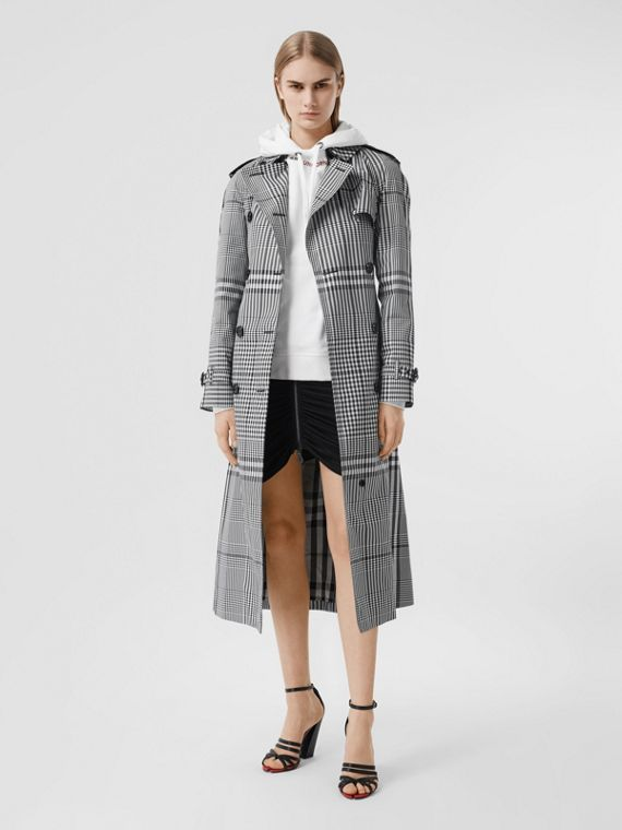 Check Twill Trench Coat in Black/white