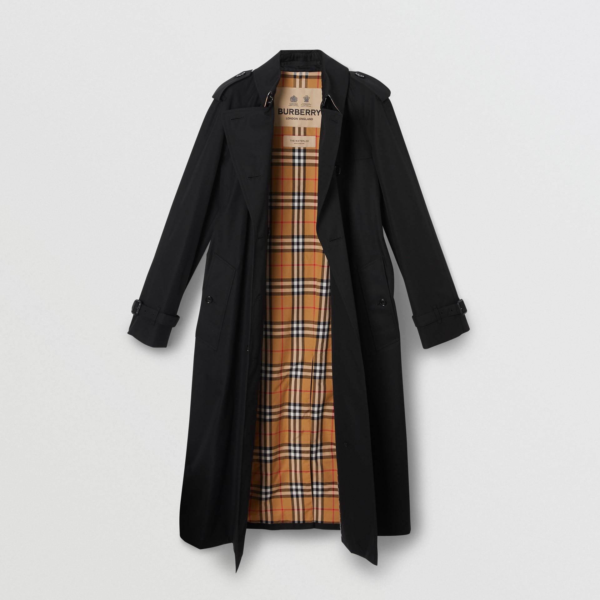 The Long Waterloo Heritage Trench Coat in Black - Women | Burberry - gallery image 7