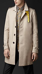 Trench coat con bajocuello metalizado