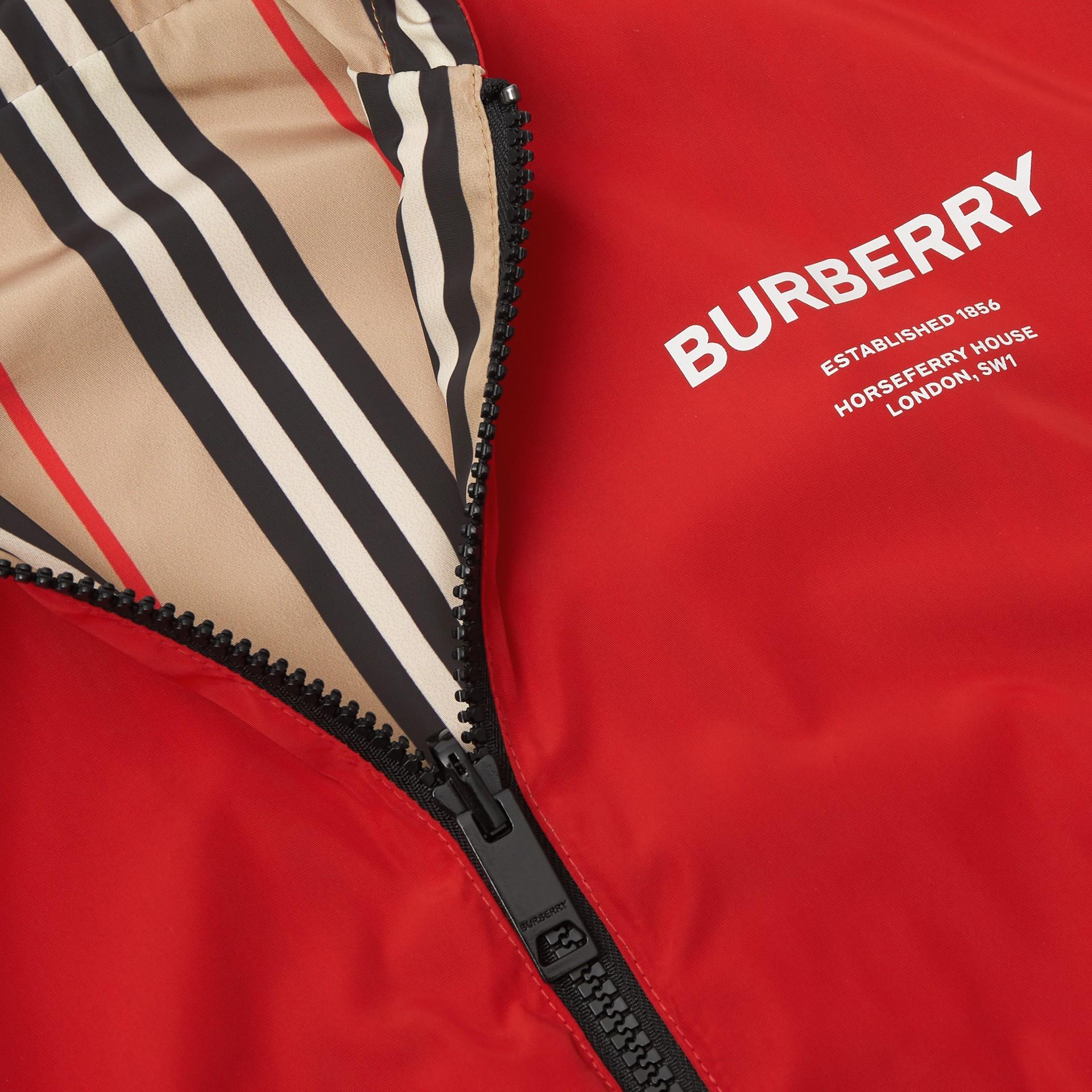 Veste à capuche réversible avec rayures iconiques (Rouge Vif) | Burberry Canada - photo de la galerie 1
