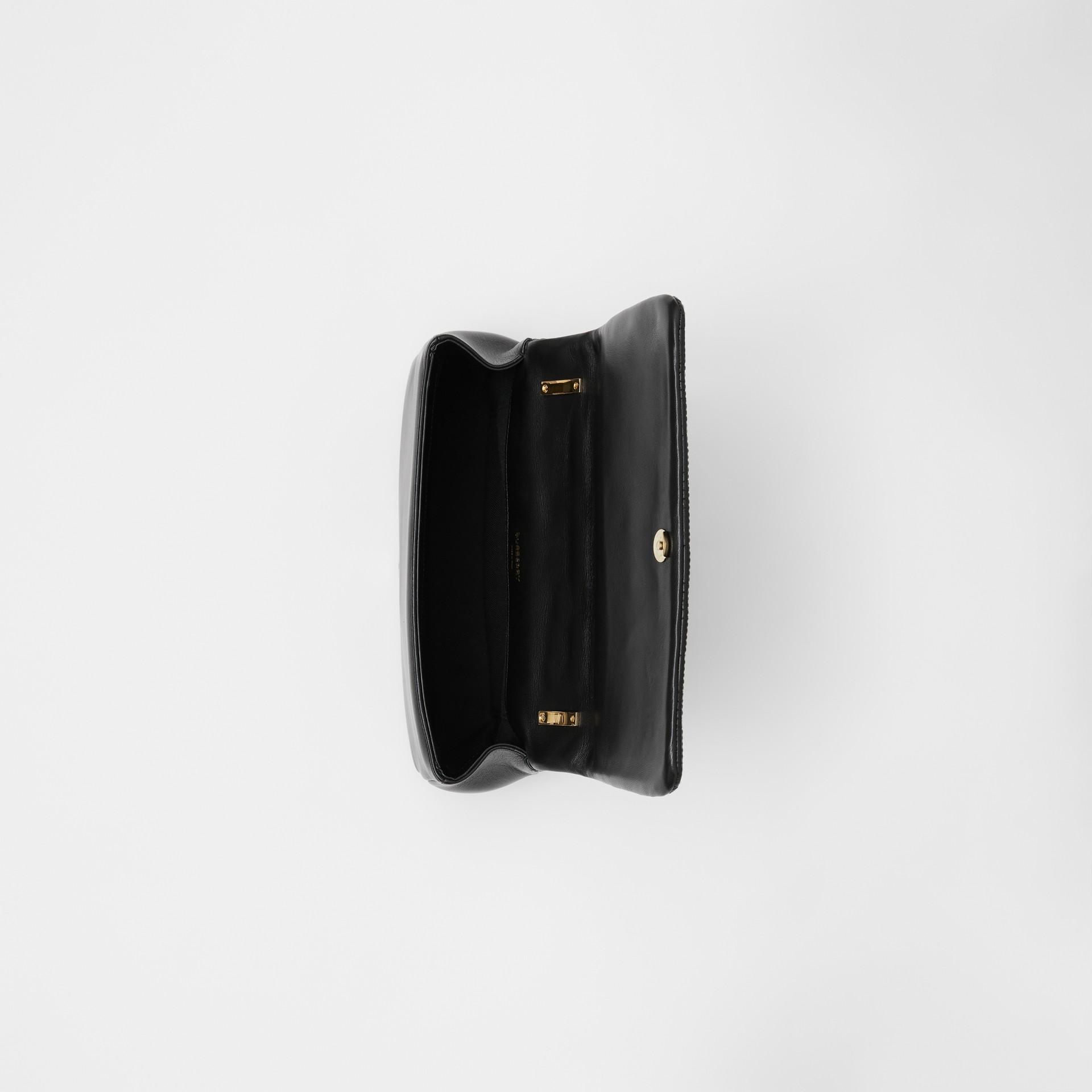 スモール キルティング ラムスキン ローラバッグ (ブラック/ライトゴールド) | バーバリー - ギャラリーイメージ 4