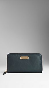 Leather Saddlestitch Ziparound Wallet