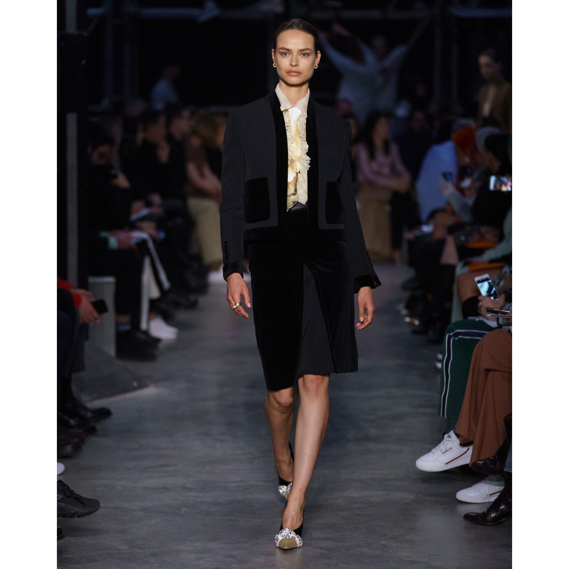 Velvet Detail Wool Tailored Jacket in Black - Women | Burberry - gallery image 7