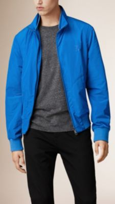 湛蓝色 正面拉鍊收纳式短外套