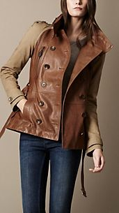 Trench coat corto in pelle con collo alto