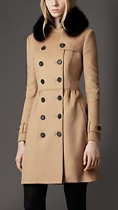 Trench coat medio in lana e cashmere con collo in pelliccia
