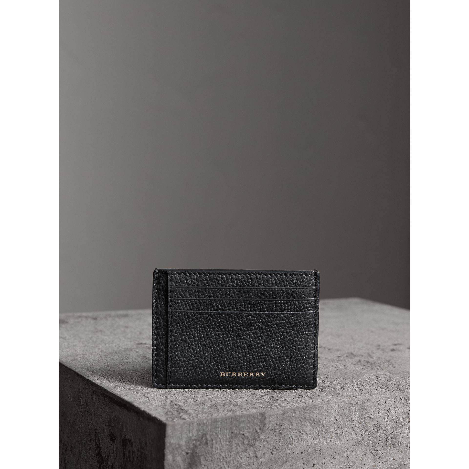 House Check and Leather Money Clip Card Case in Black - Men | Burberry - gallery image 5
