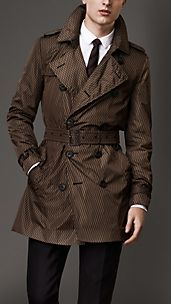 Trench coat de longitud media con estampado geométrico