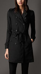 Trench coat de longitud media en ligero algodón