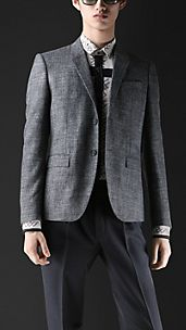 Short Box Fit Tweed Jacket