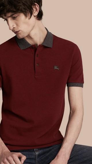 Polo en piqué de coton avec éléments de couleur contrastante