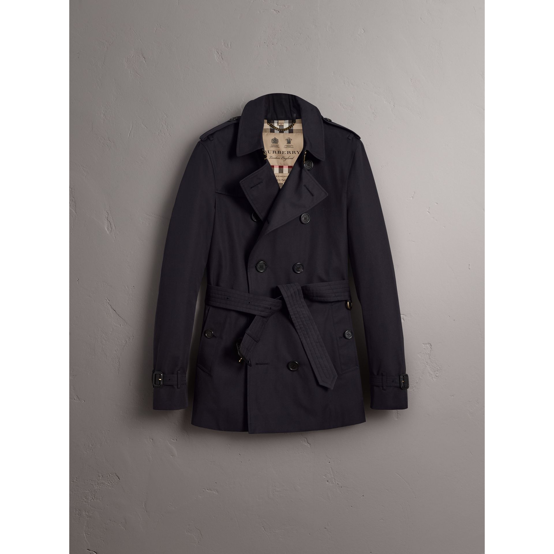 The Chelsea – Mid-length Trench Coat in Navy - Men | Burberry - gallery image 4