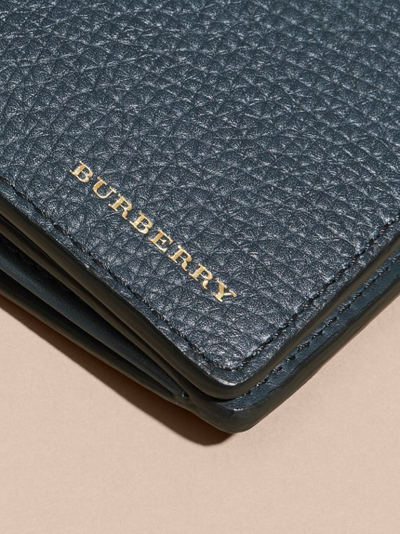 House Check and Grainy Leather Continental Wallet Storm Blue - cell image 3