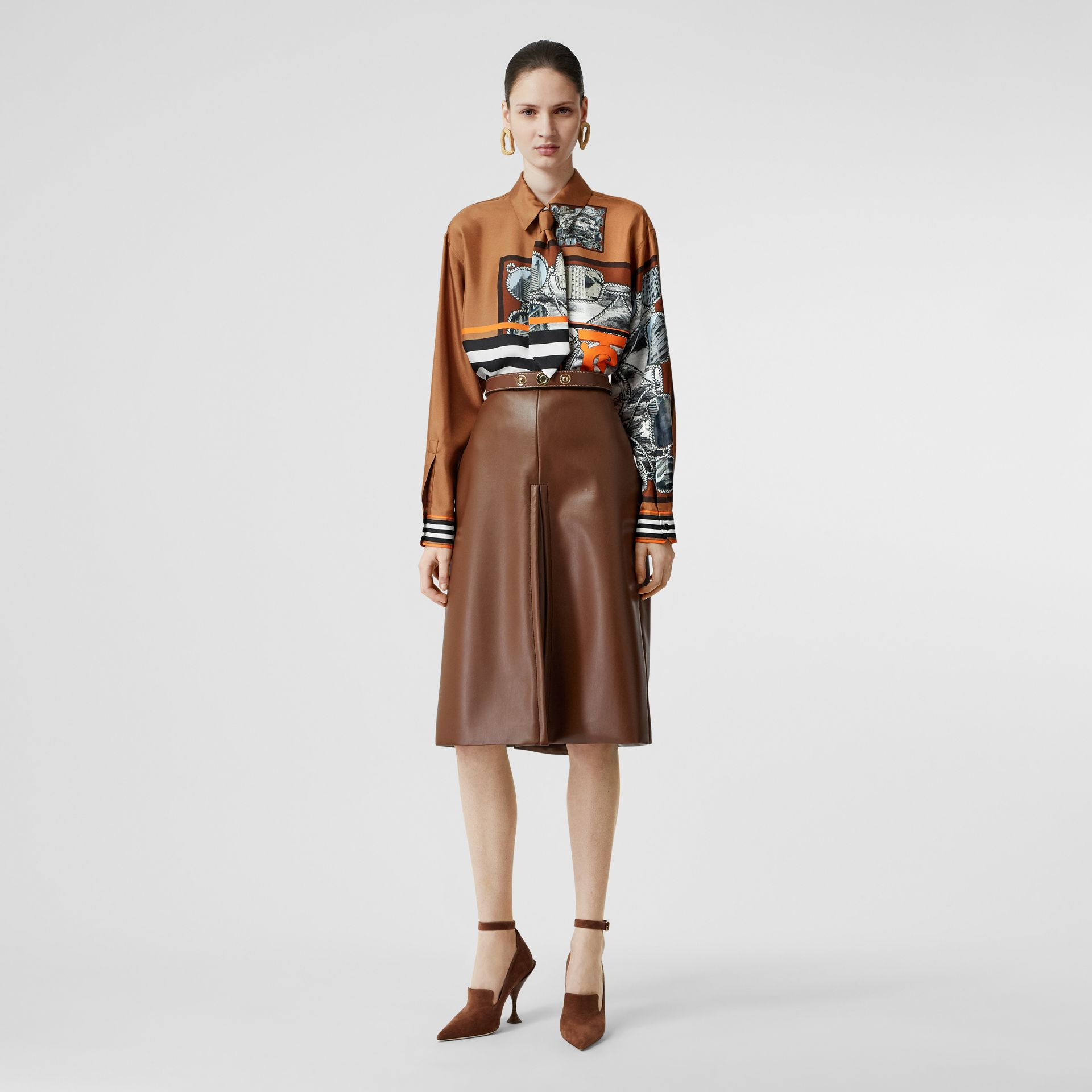 Camisa oversize de sarja de seda com estampa de aparelho náutico (Marrom Castanho Escuro) - Mulheres   Burberry - galeria de imagens 0
