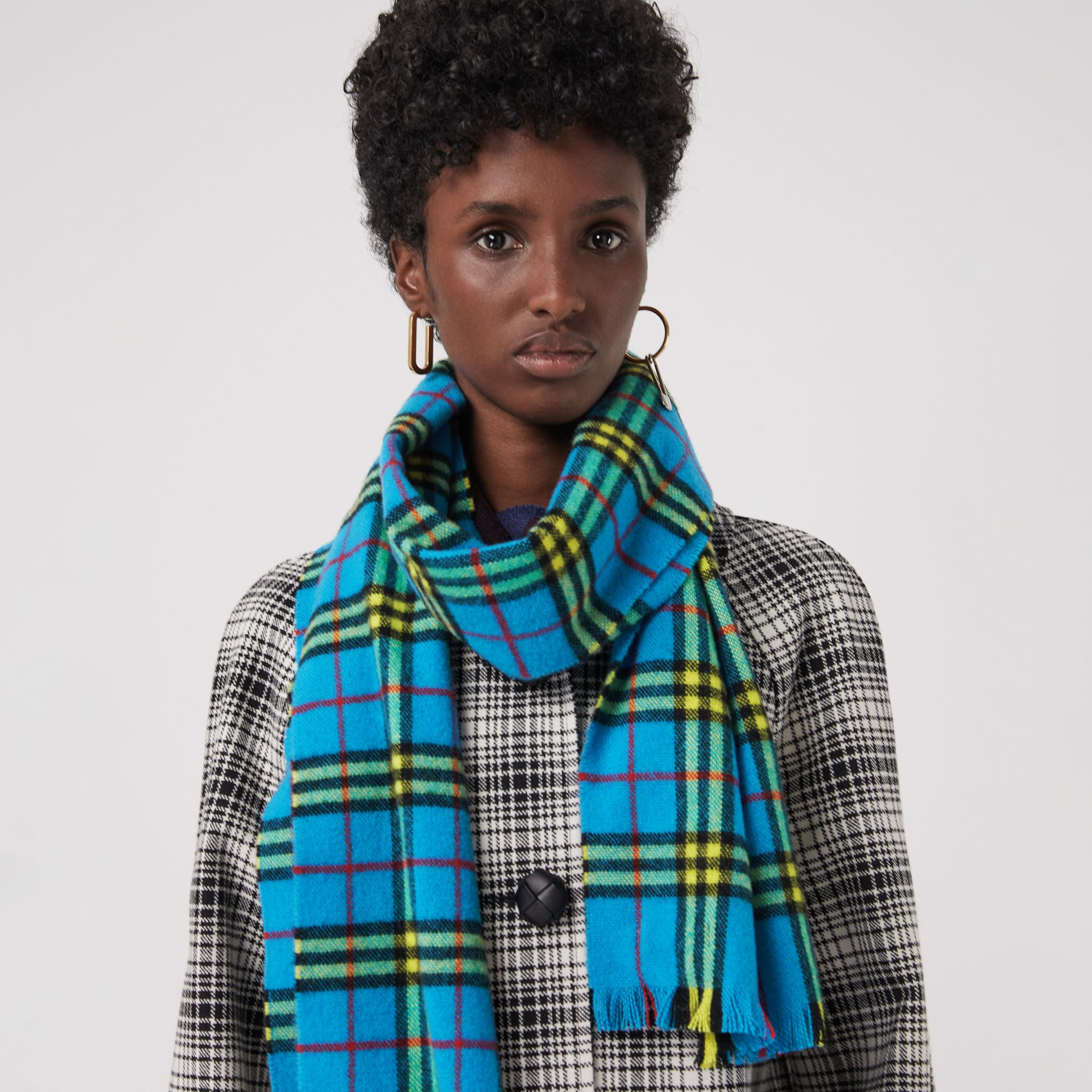 Check Cashmere Scarf in Bright Sky Blue | Burberry - gallery image 4
